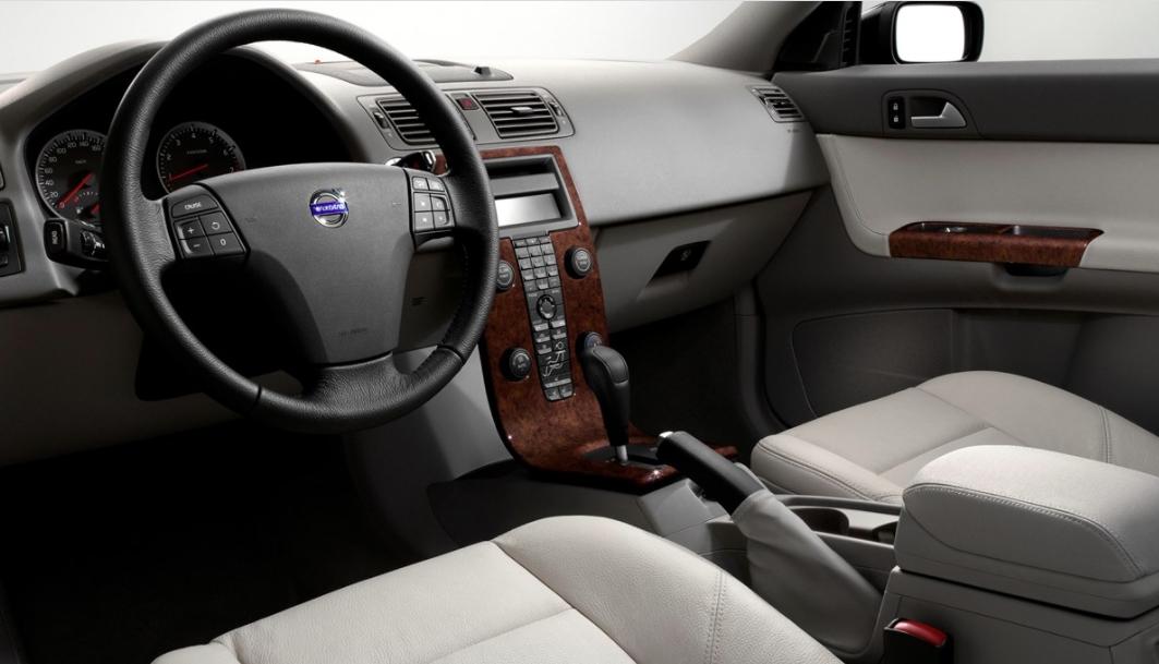 Volvo 50 V50 2012 b