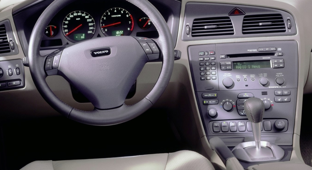 Volvo 60 S60 2000 j