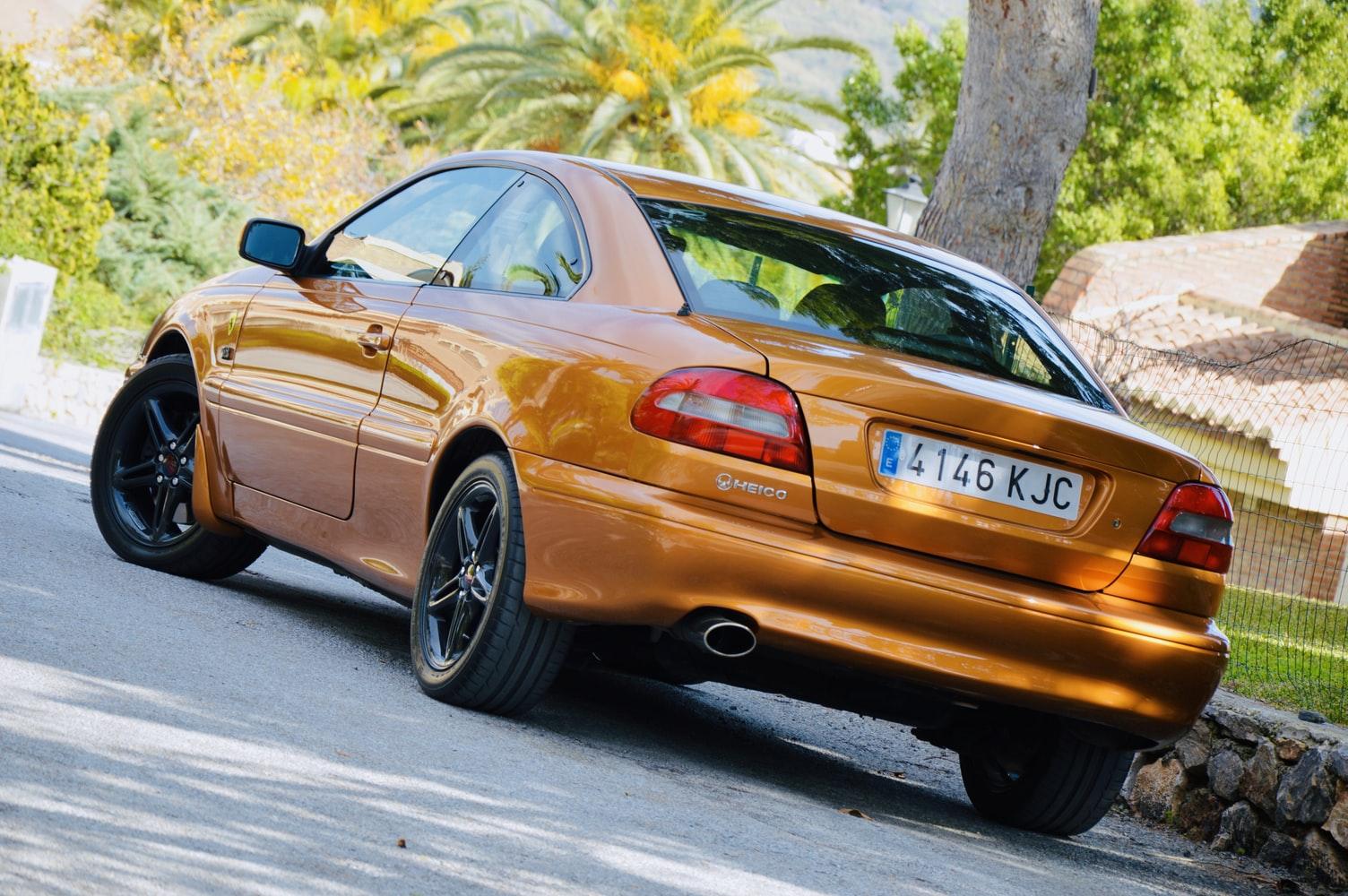 Volvo 70 C70 Coupe 1997 ManuelMena Unsplash photo-1574935311232-187764550859