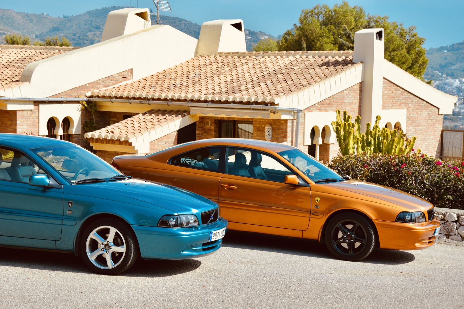 Volvo 70 C70 Coupe 1997  ManuelMena Unsplashphoto photo-1574935231874-afe5955f338b