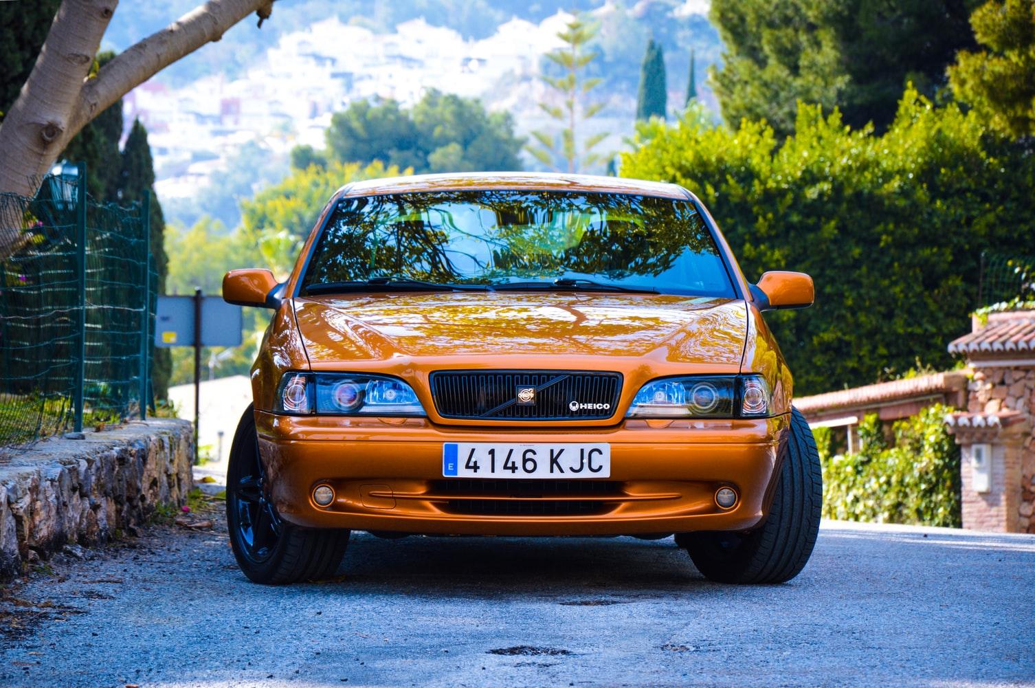 Volvo 70 C70 Coupe 1997 ManuelMena Unsplashphoto photo-1574935359723-0271f1f0dd26