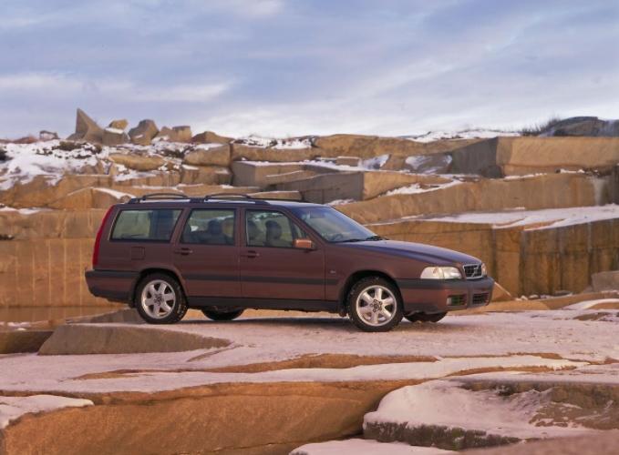 Volvo 70 V70 XC 2001 mediav 1