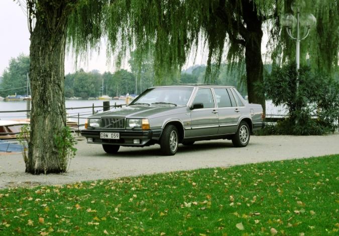 Volvo 760 Turbo 1985 b