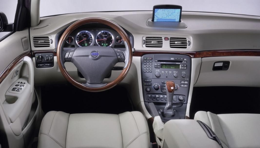 Volvo 80 S80 1998 mediav f