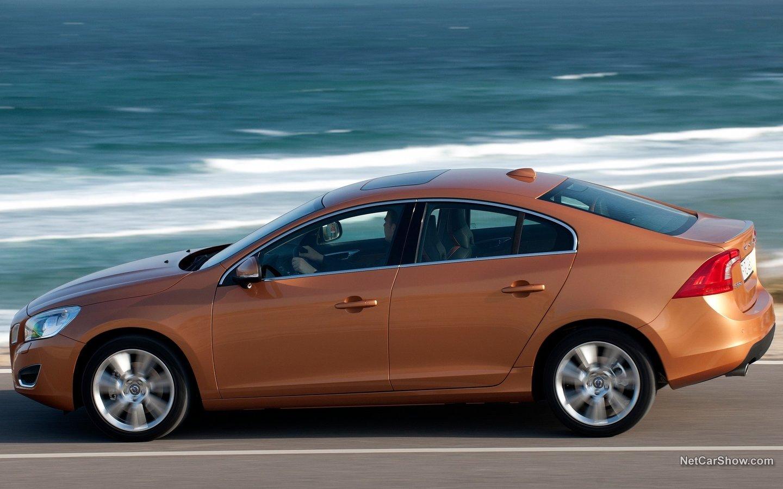 Volvo S60 2011 4185733b