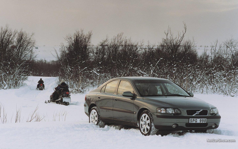 Volvo S60 AWD 2002 a6098ec5