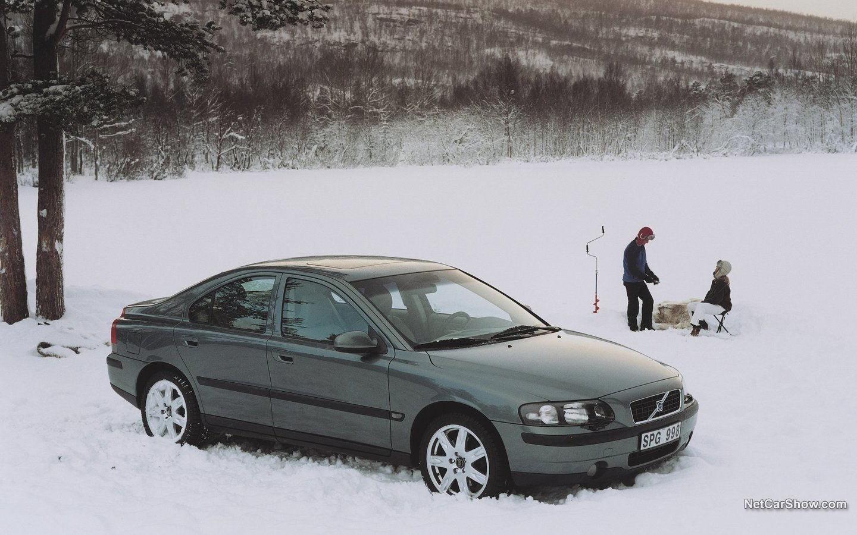 Volvo S60 AWD 2002 ba59e149