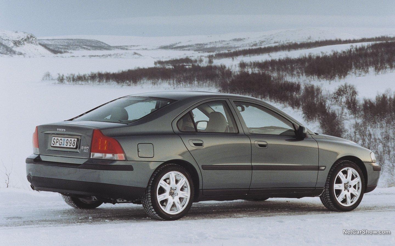 Volvo S60 AWD 2002 c08c325a