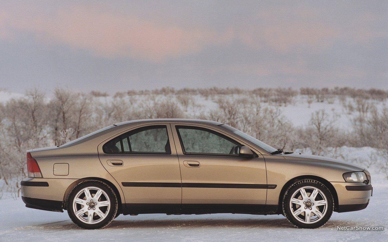 Volvo S60 AWD 2002 c8fecd30