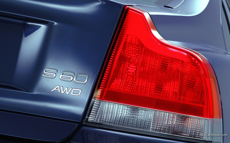 Volvo S60 AWD 2002 e869ff38