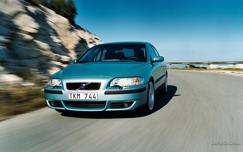Volvo S60 R 2003 71f8d325