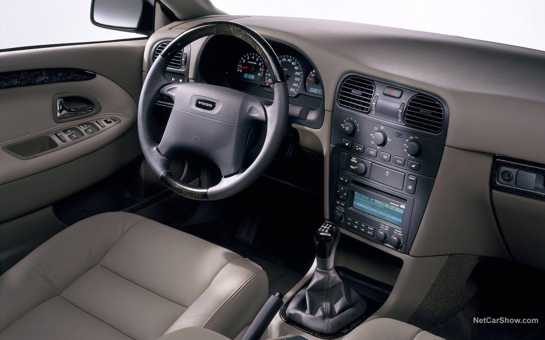 Volvo V40 2001 5d6a7072