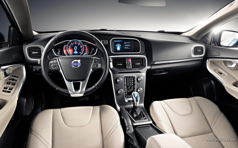 Volvo V40 2013 44795124
