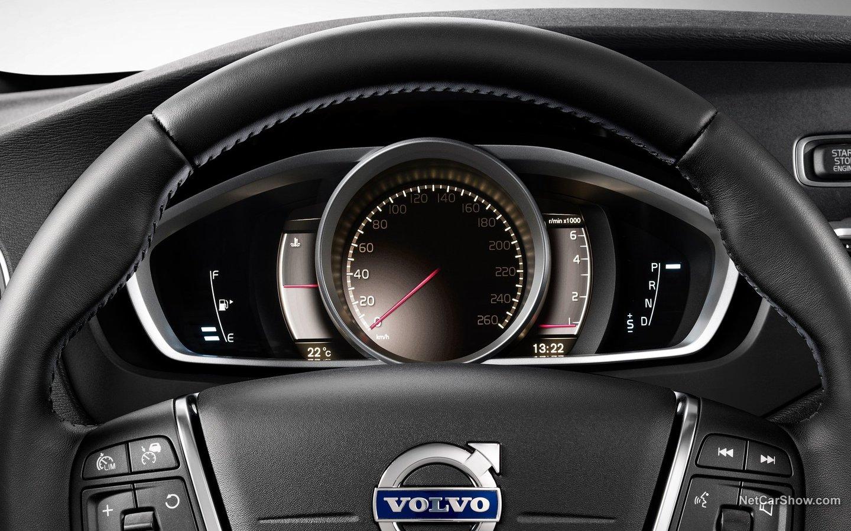 Volvo V40 Cross Country 2013 528cd67b