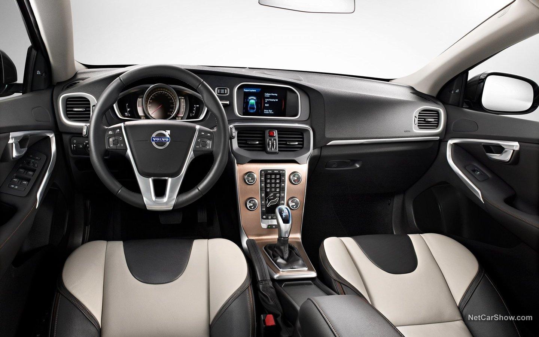 Volvo V40 Cross Country 2013 ac2269d6