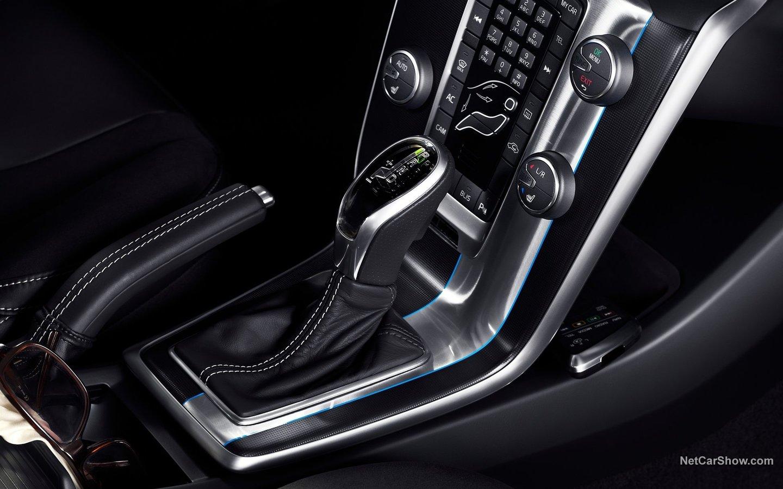 Volvo V40 R-Design 2013 006e8de3