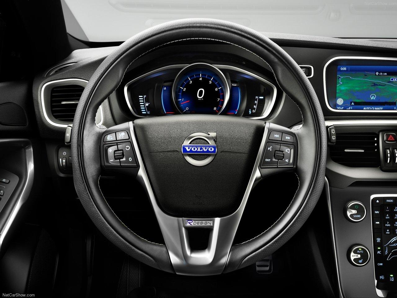 Volvo V40 R-Design 2013 Volvo-V40_R-Design-2013-1280-08