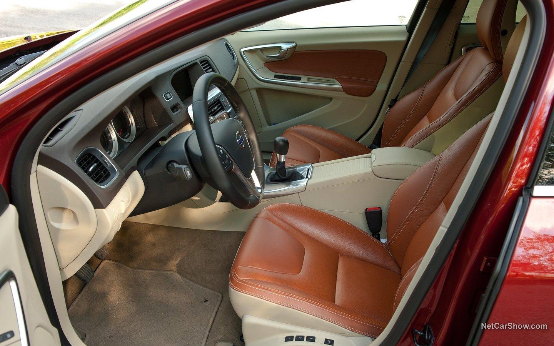 Volvo V60 2011 2613ec25