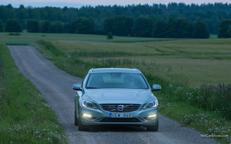 Volvo V60 2014 3765c10a