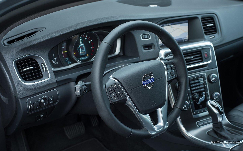 Volvo V60 2014 954dda36