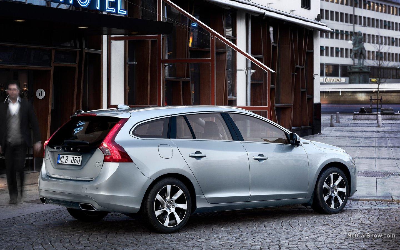 Volvo V60 Plug-in Hybrid 2013 2af7582f
