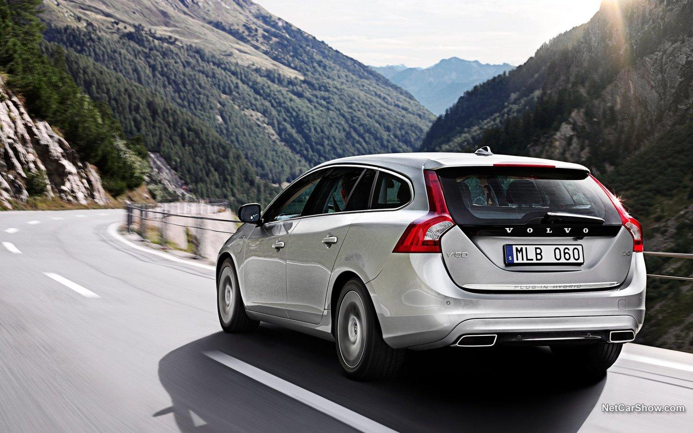 Volvo V60 Plug-in Hybrid 2013 5b980158