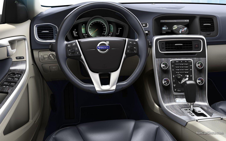 Volvo V60 Plug-in Hybrid 2013 67810748