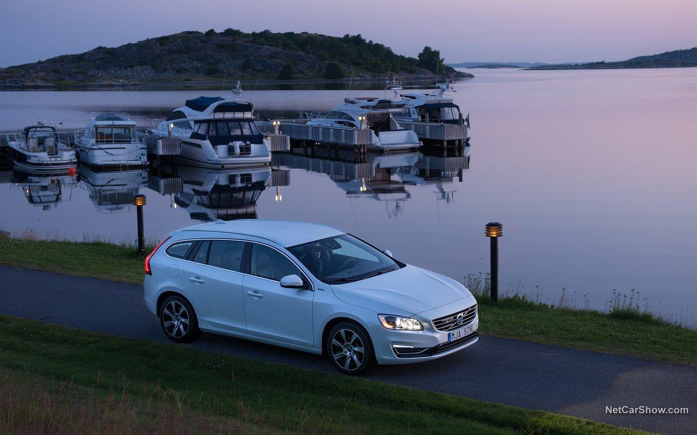 Volvo V60 Plug-in Hybrid 2014 02429b96