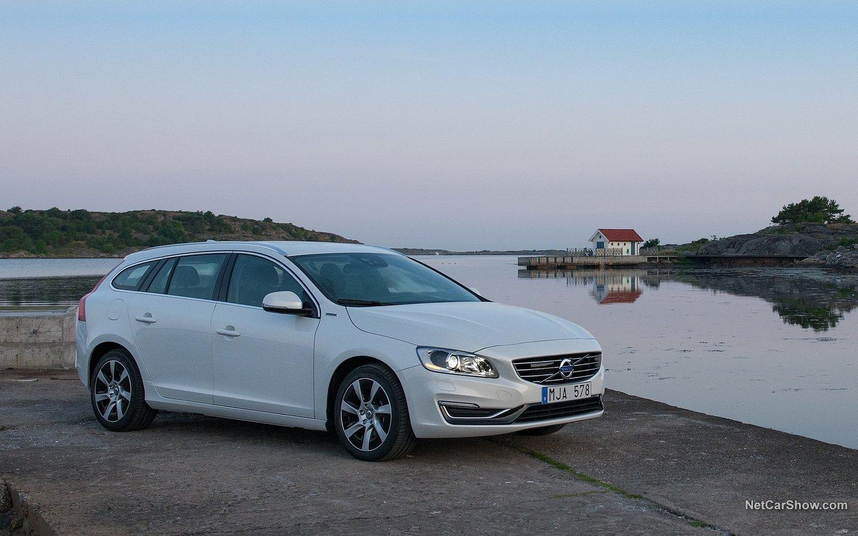 Volvo V60 Plug-in Hybrid 2014 399b7483
