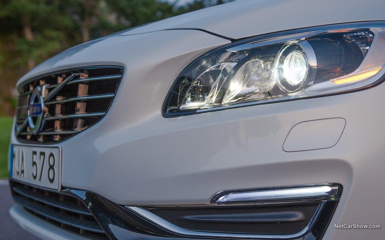 Volvo V60 Plug-in Hybrid 2014 b0ab62d5