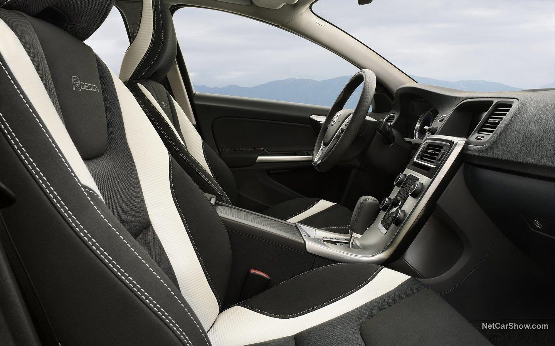Volvo V60 R-Design 2011 35c7bf35