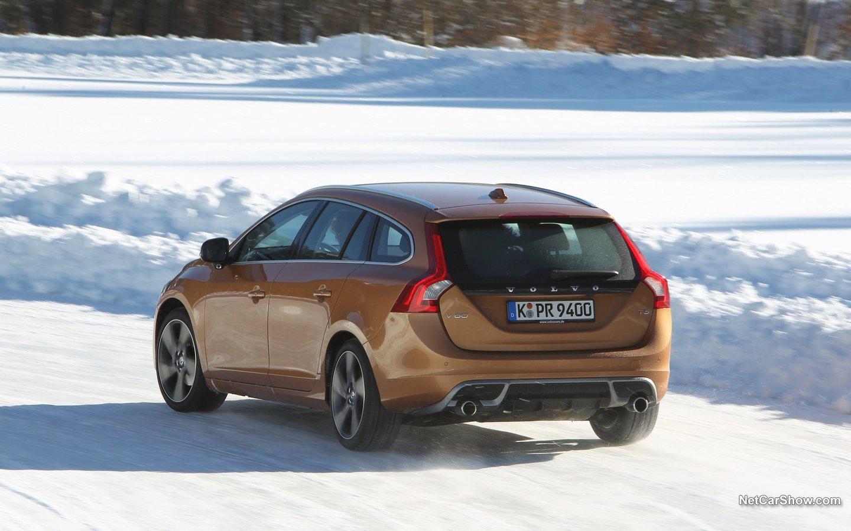 Volvo V60 R-Design 2011 43678659