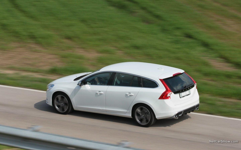 Volvo V60 R-Design 2011 531412e3