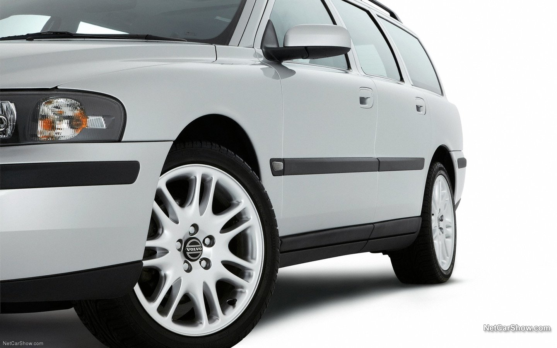 Volvo V70 2004 2277595a