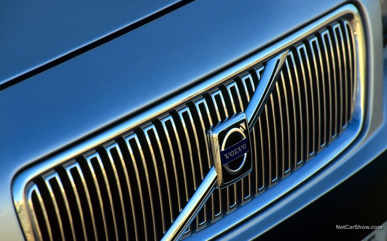 Volvo V70 2004 53c28ba4