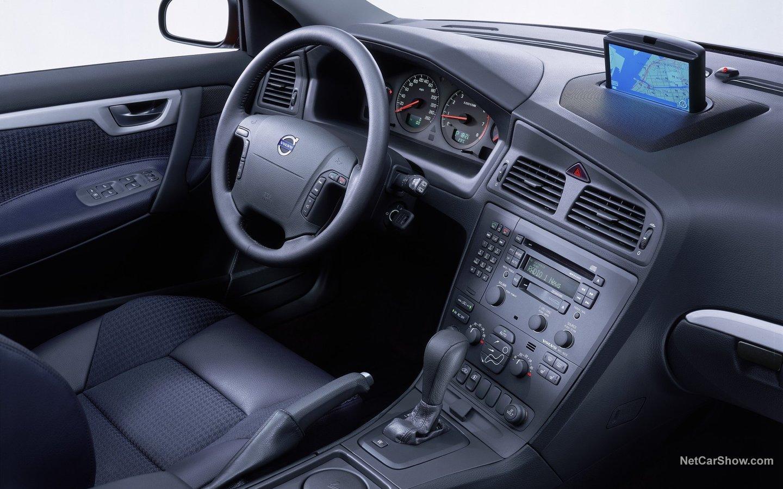 Volvo V70 2004 7fa4acc8
