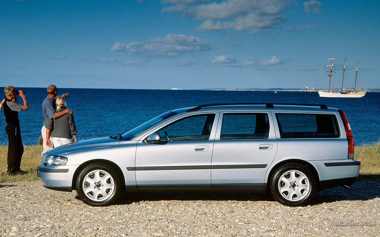 Volvo V70 2004 82a01ebc
