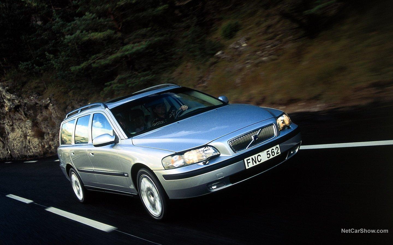 Volvo V70 2004 84df144e