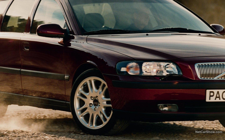 Volvo V70 2004 a318d864