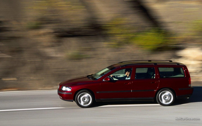 Volvo V70 2004 ed649f5f