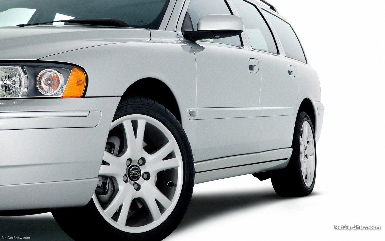 Volvo V70 2007 1953fceb