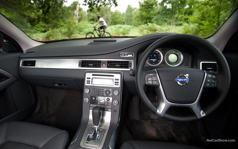 Volvo V70 2008 165420ff