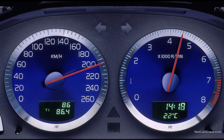 Volvo V70 R 2003 0f507395