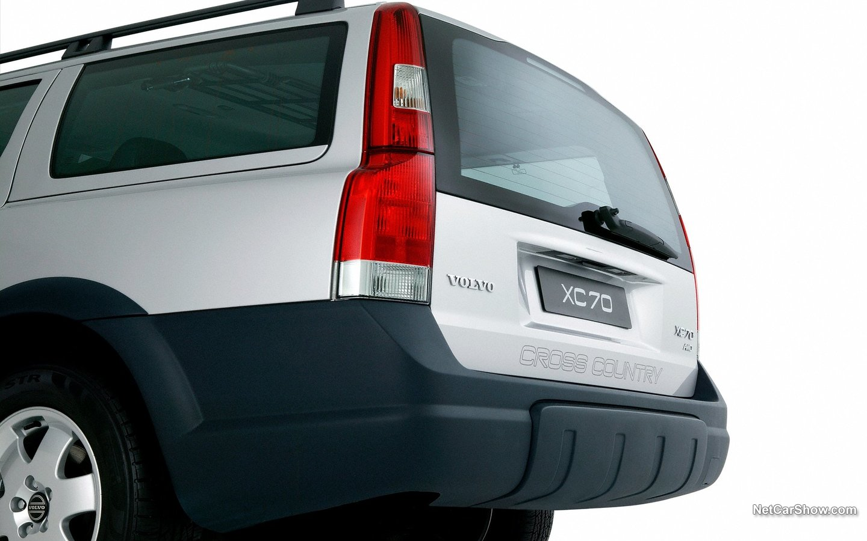 Volvo XC70 2004 95b8f368