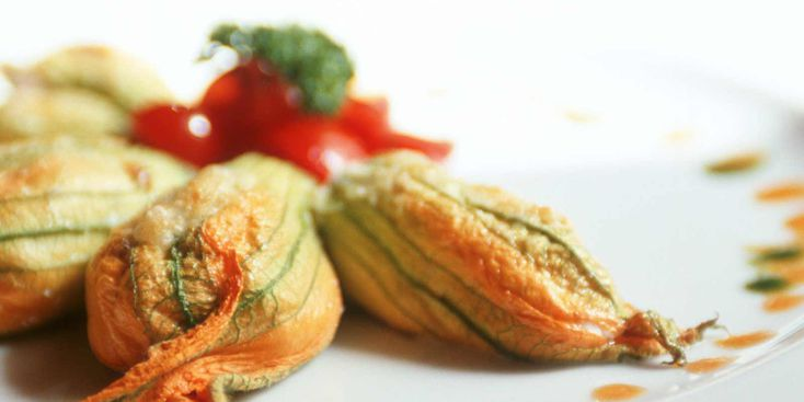 fleurs-de-courgettes-farcies-au-fromage-de-chevre.jpg