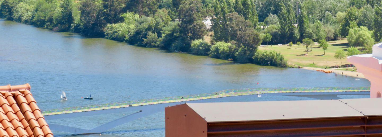 le pont des amoureux qui traverse le mondego la vie en rose au portugal. Black Bedroom Furniture Sets. Home Design Ideas