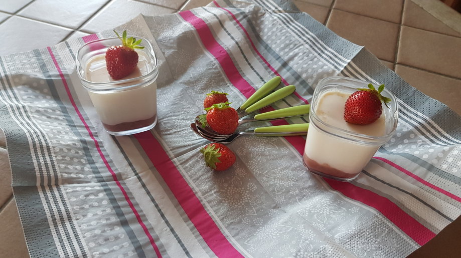 yaourt compote fraises.jpg