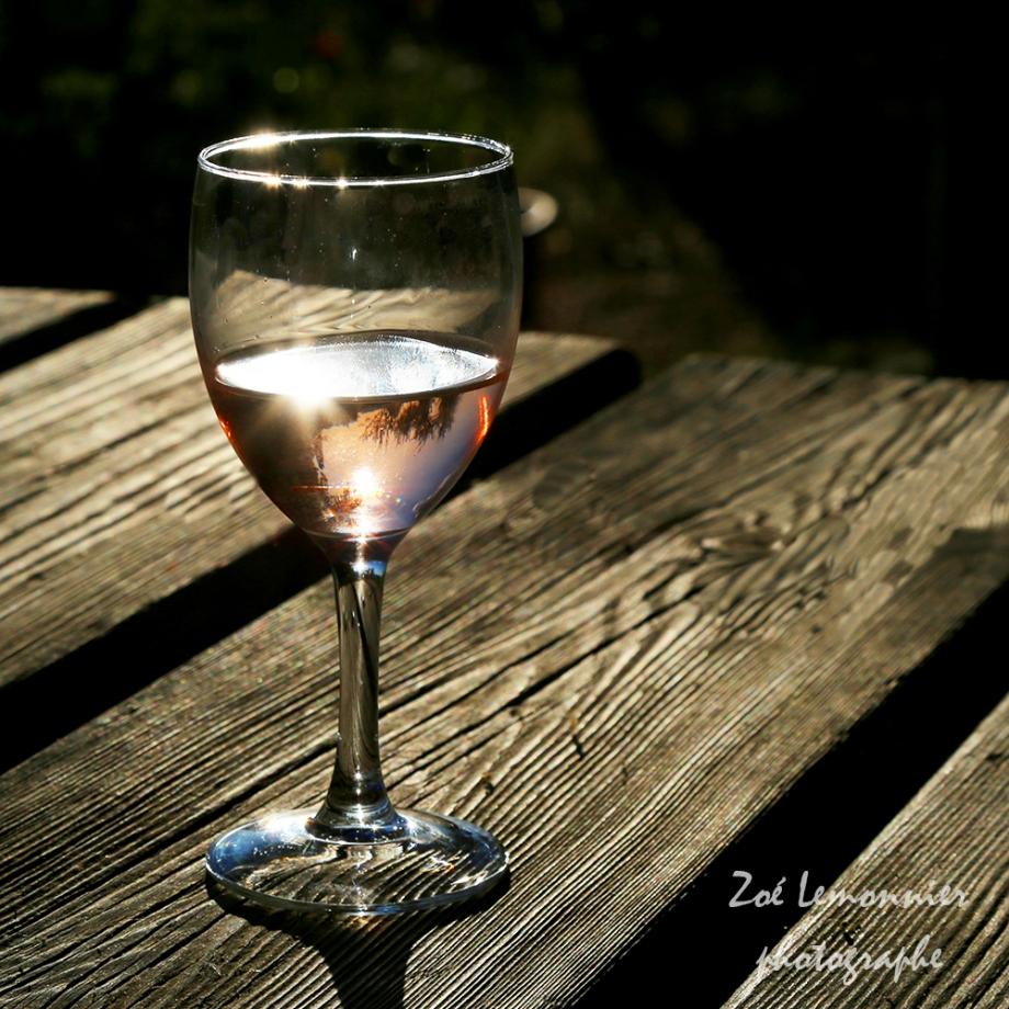 Verre de rosé Côtes de Provence.jpg