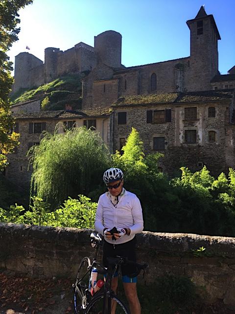 Dans Brousse le Château, une petite pause touristique.