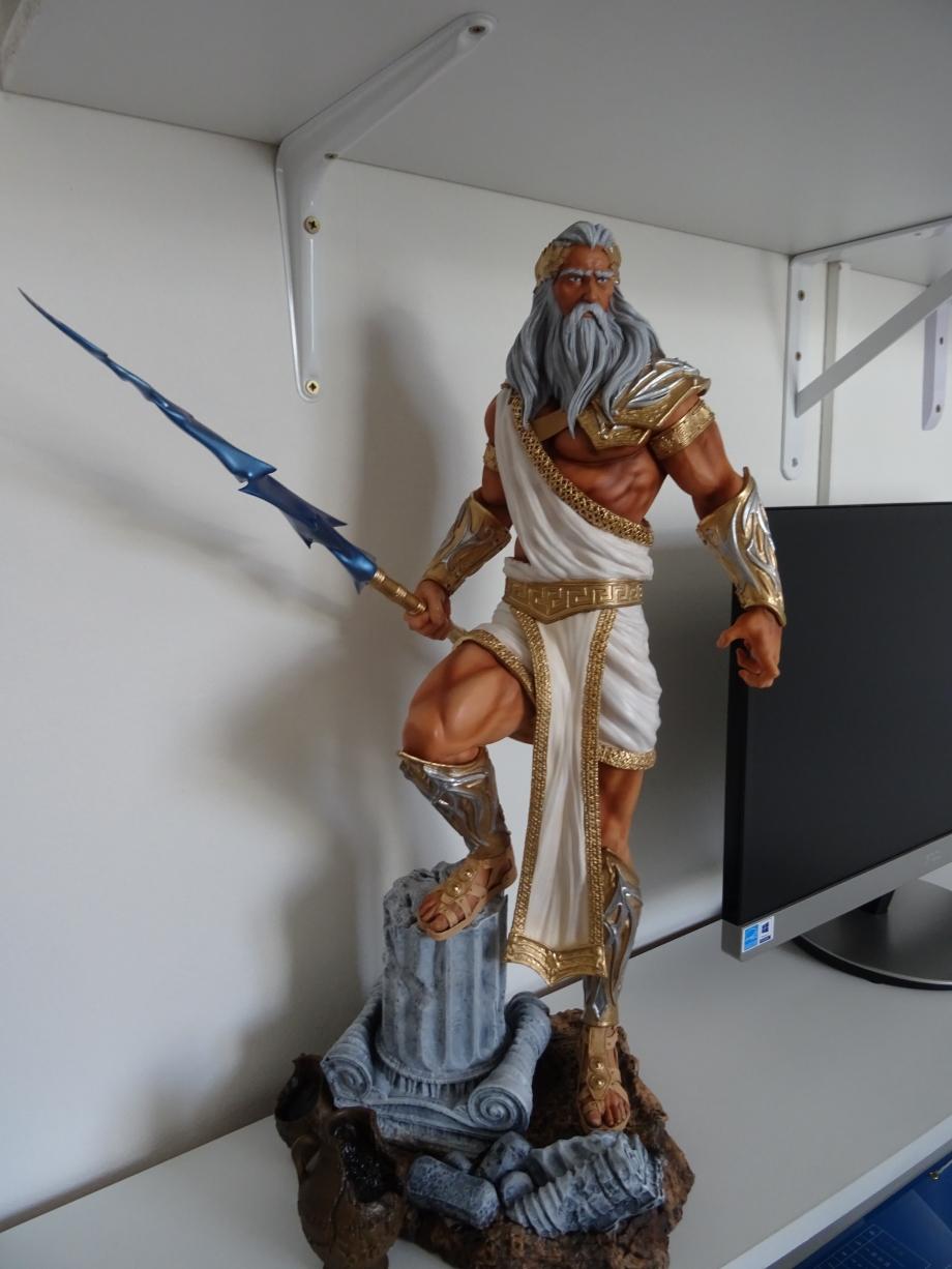 mise en place sur bureau du dieu zeus
